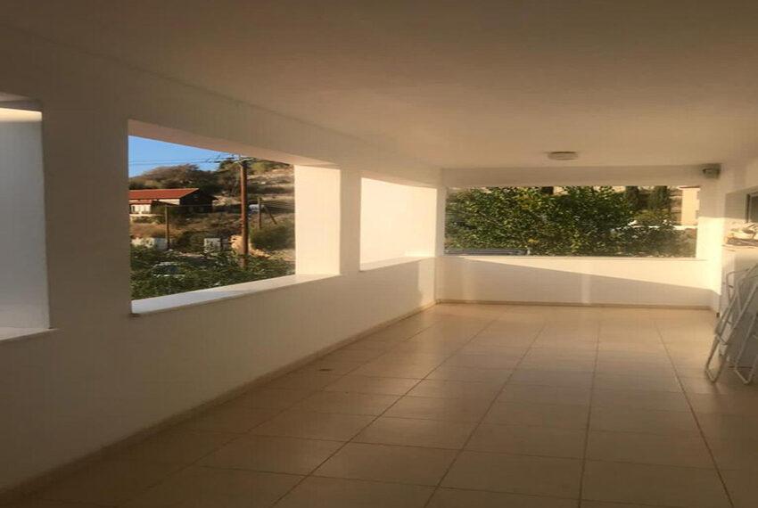 Spacious 6 bed villa for rent long term Mesogi Paphos_7