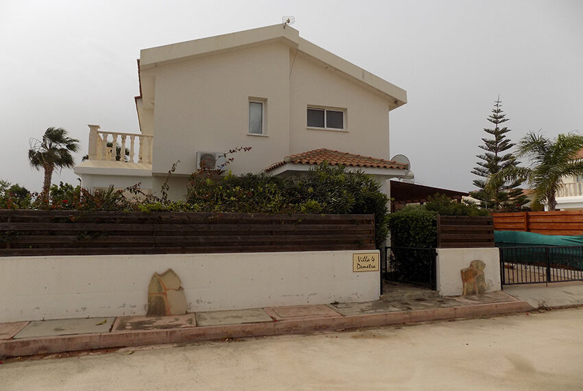 Villa for rent with private pool Coral Bay Paphos_1