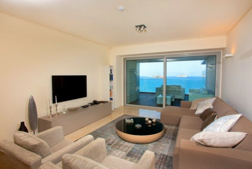 Modern beach front apartment for rent in Limassol_1