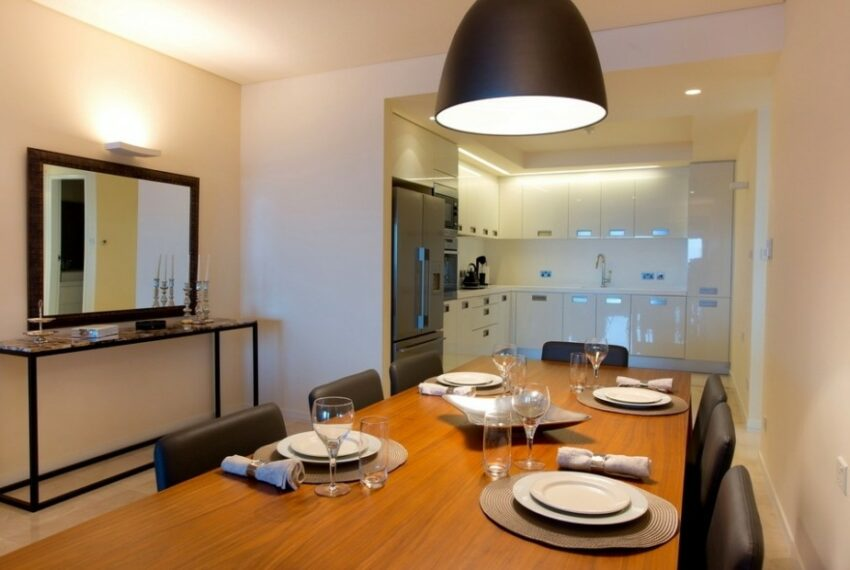 Modern beach front apartment for rent in Limassol_2