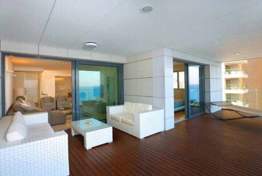 Modern beach front apartment for rent in Limassol_6