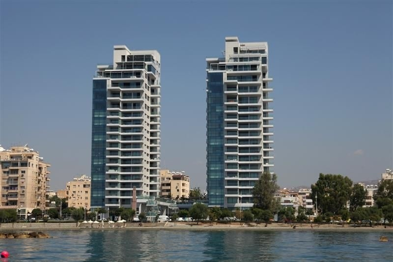 Modern beach front apartment for rent in Limassol_9
