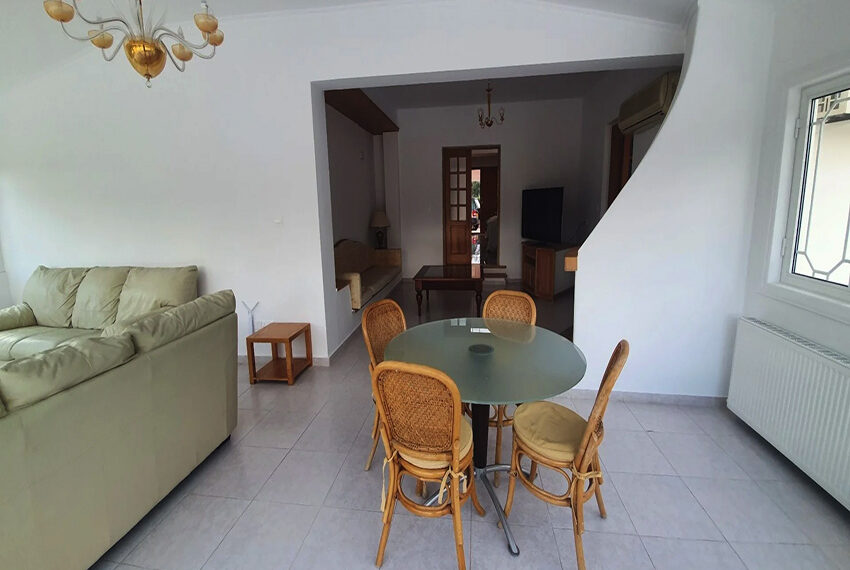 5 bedroom villa for rent close to Chloraka beach front_00003