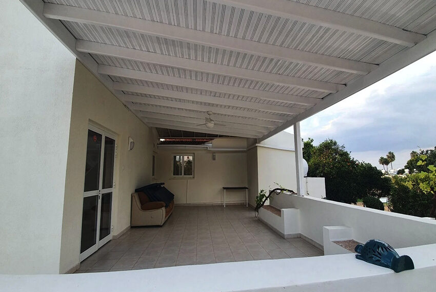 5 bedroom villa for rent close to Chloraka beach front_00004