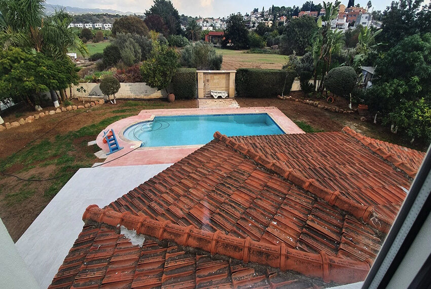 5 bedroom villa for rent close to Chloraka beach front_00006