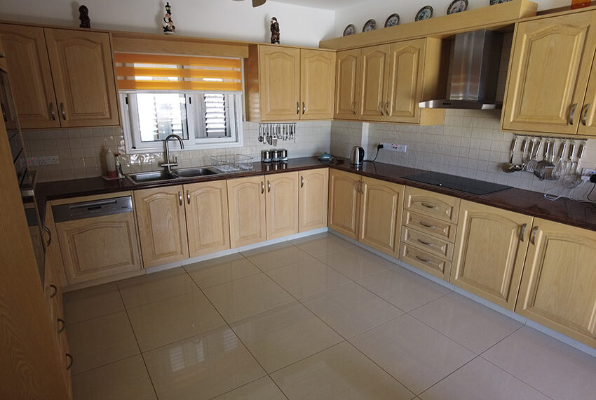 Spacious bungalow for sale large plot near Paphos ZOO