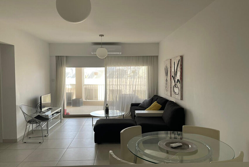 Lighthouse beach Paphos apartment for rent long term_00001