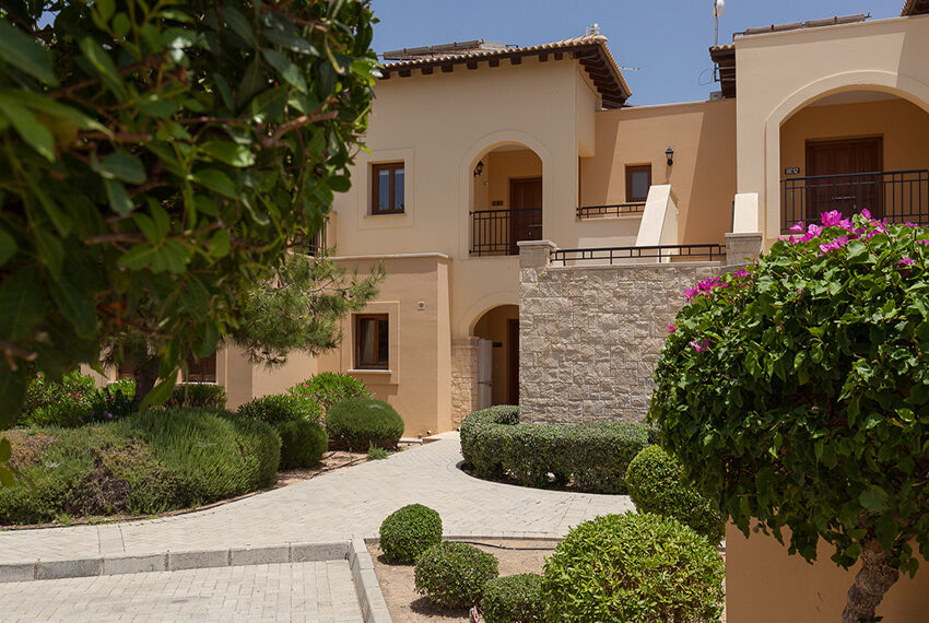 Aphrodite hills resort 2 bed apartment with communal pool_2