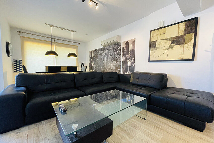 Spacious 3 bedroom penthouse for sale in Limassol_2