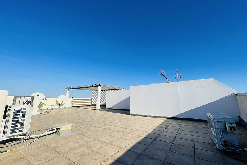 Spacious 3 bedroom penthouse for sale in Limassol_12