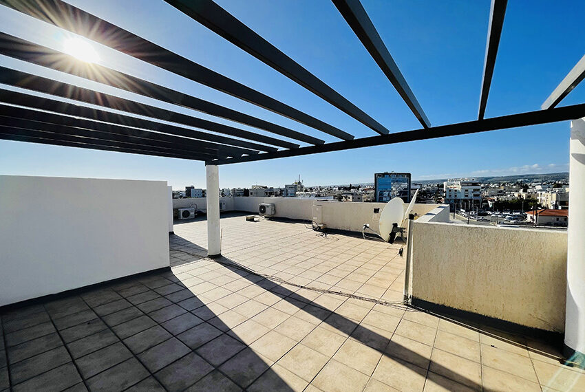 Spacious 3 bedroom penthouse for sale in Limassol_14