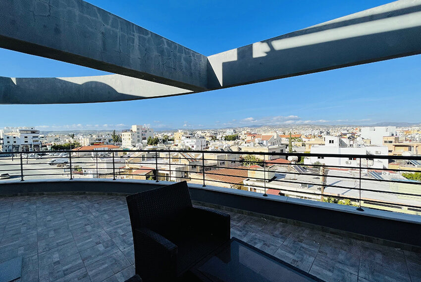 Spacious 3 bedroom penthouse for sale in Limassol_16