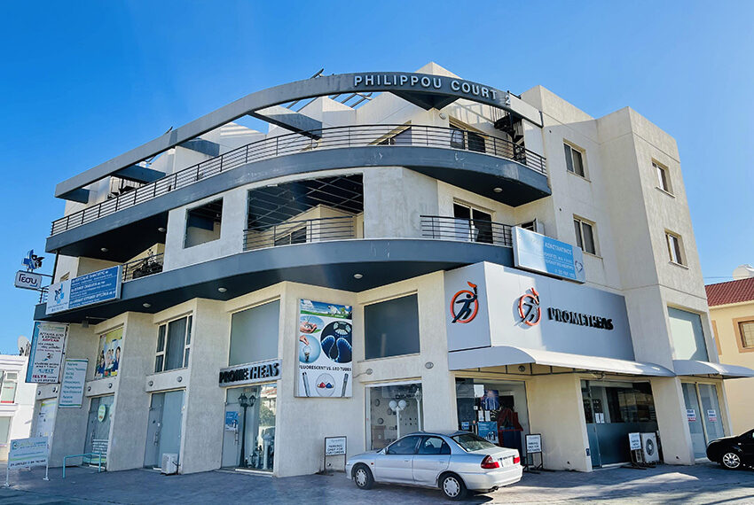 Spacious 3 bedroom penthouse for sale in Limassol_18