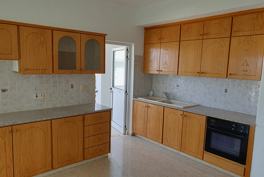 3 bedroom house for rent in Emba village Paphos_3