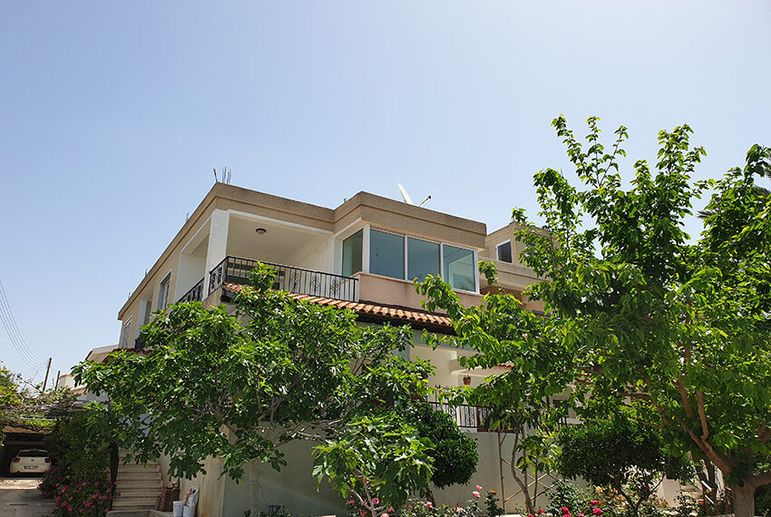 3 bedroom house for rent in Emba village Paphos_16