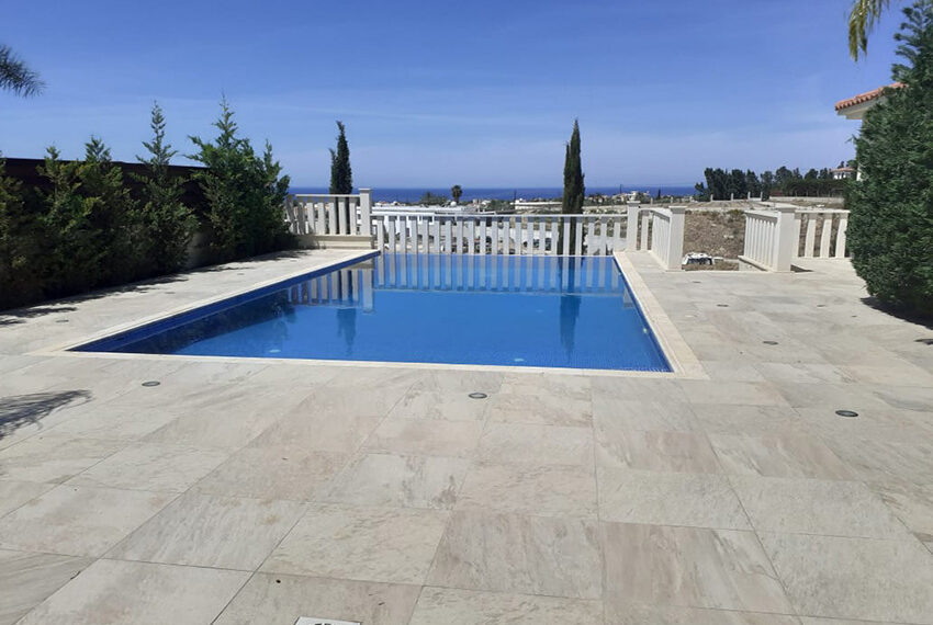 Modern 4 bedroom villa for rent with private pool Peyia_4