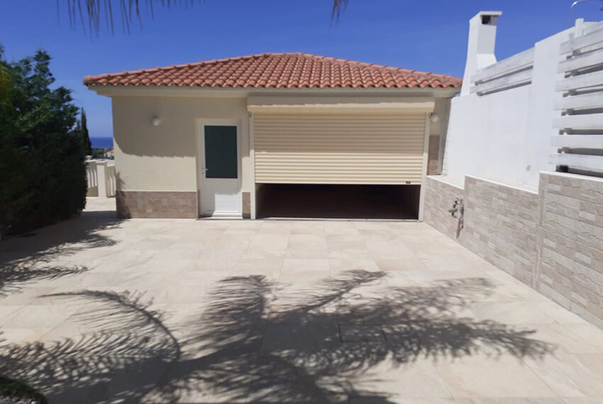 Modern 4 bedroom villa for rent with private pool Peyia_5