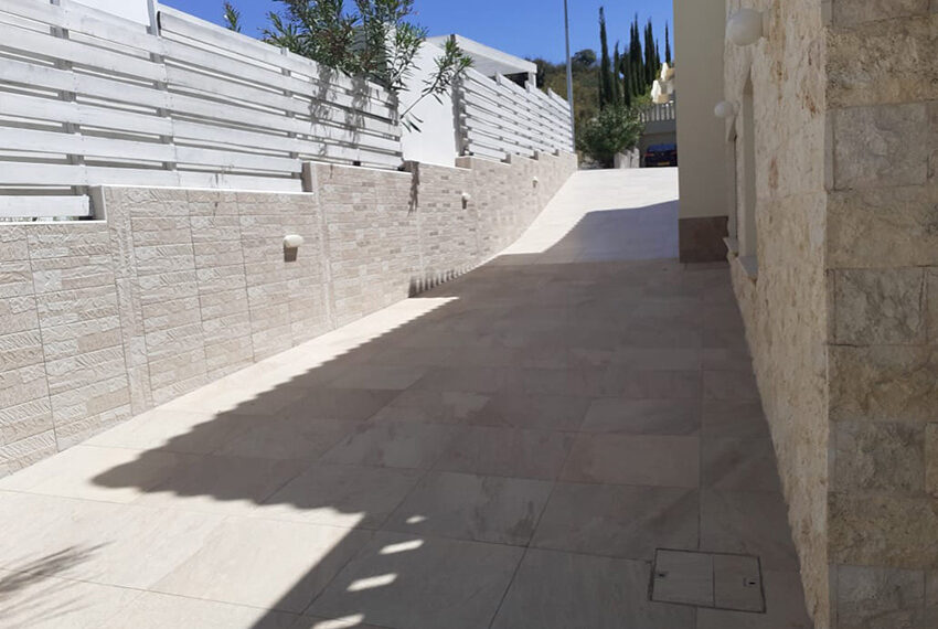 Modern 4 bedroom villa for rent with private pool Peyia_7