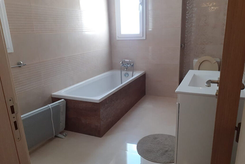 Modern 4 bedroom villa for rent with private pool Peyia_20