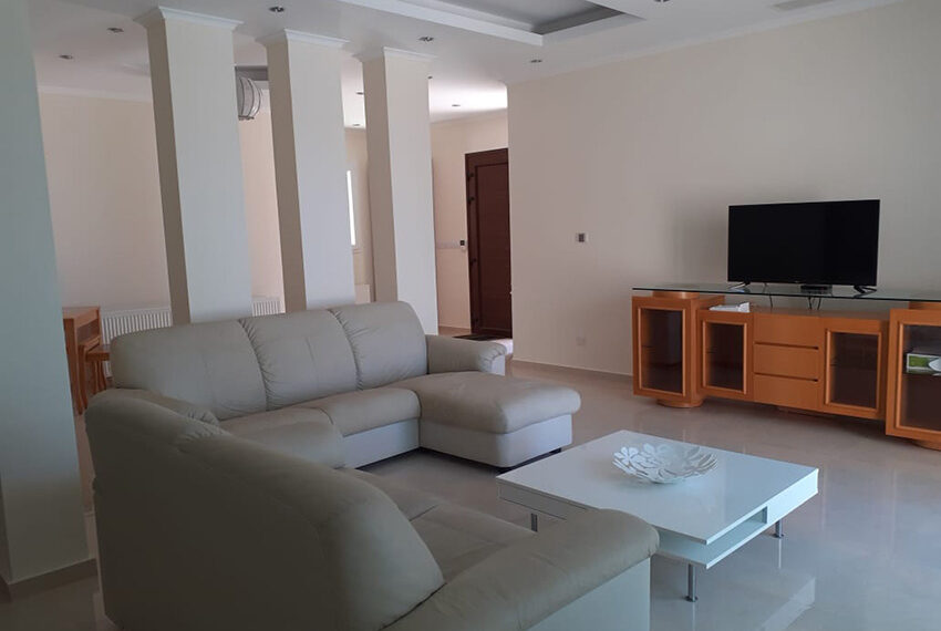 Modern 4 bedroom villa for rent with private pool Peyia_28
