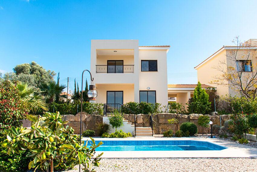 Recently renovated villa for sale Venus Rock Golf Resort Cyprus_2