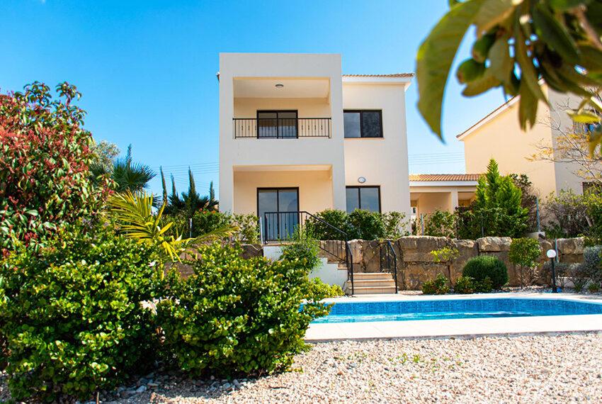 Recently renovated villa for sale Venus Rock Golf Resort Cyprus_3