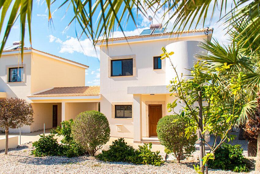 Recently renovated villa for sale Venus Rock Golf Resort Cyprus_5