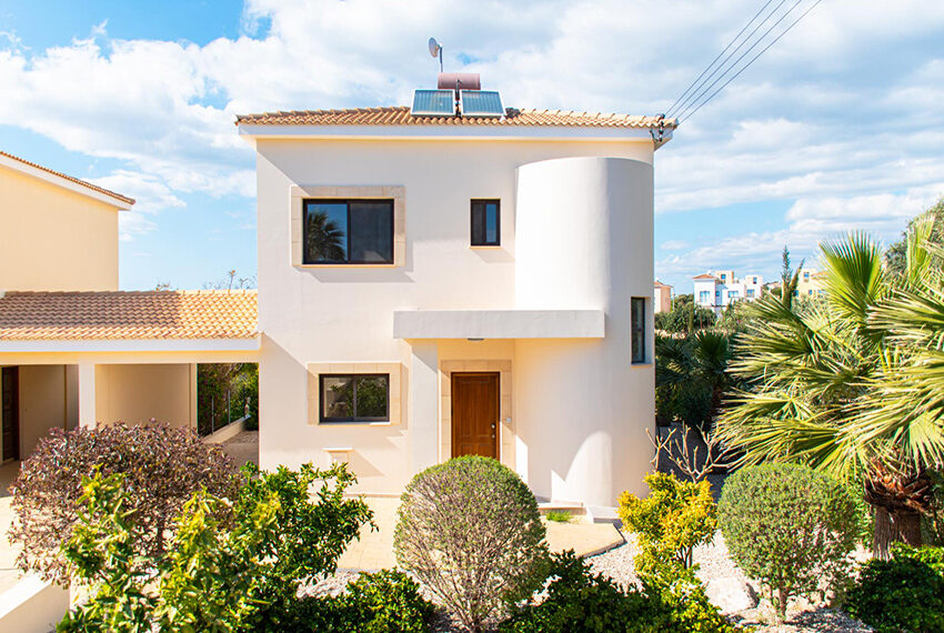 Recently renovated villa for sale Venus Rock Golf Resort Cyprus_6