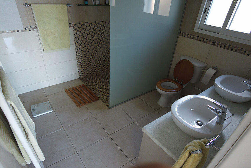 3 bedroom bungalow with fantastic panoramic views of Paphos