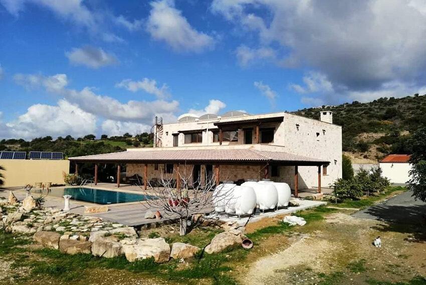 7 bedroom villa for rent long term in Kouklia Paphos_3
