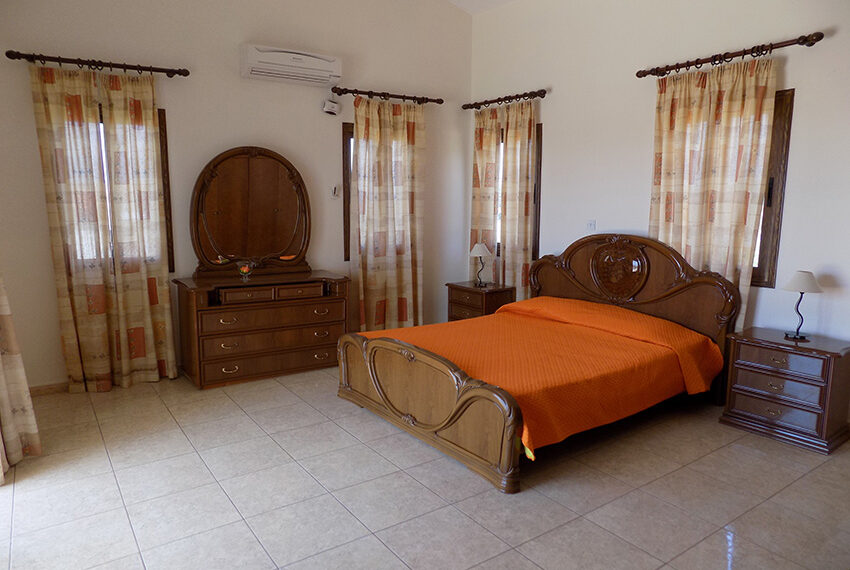 4 bed villa for rent with private pool & sea views Akamas - St. Geroge_33