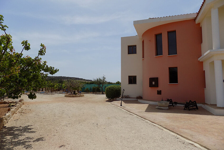 4 bed villa for rent with private pool & sea views Akamas - St. Geroge_36