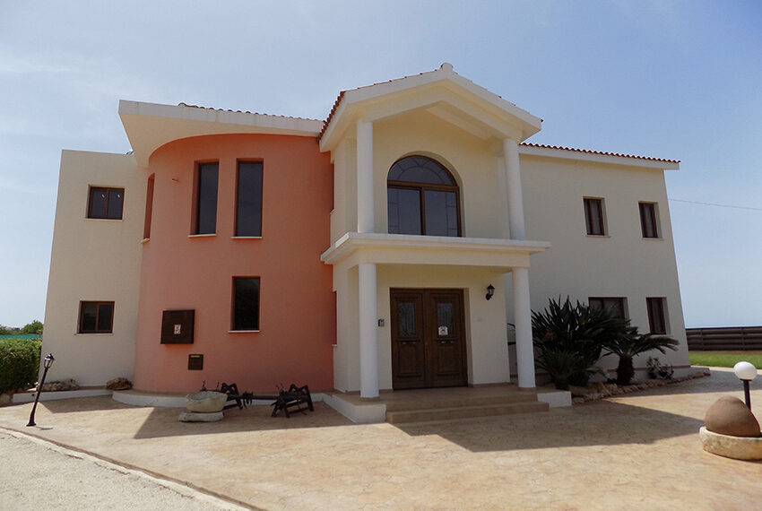 4 bed villa for rent with private pool & sea views Akamas - St. Geroge_37