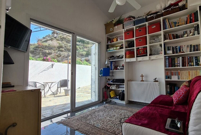 3 bedroom bungalow for sale Akoursos Paphos district_1