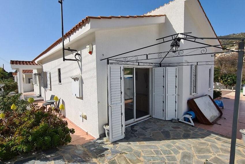 3 bedroom bungalow for sale Akoursos Paphos district_11