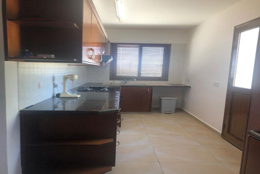 House for rent with central heating in Tsada village_1