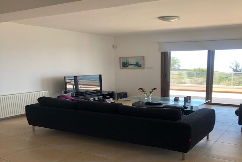 House for rent with central heating in Tsada village_3