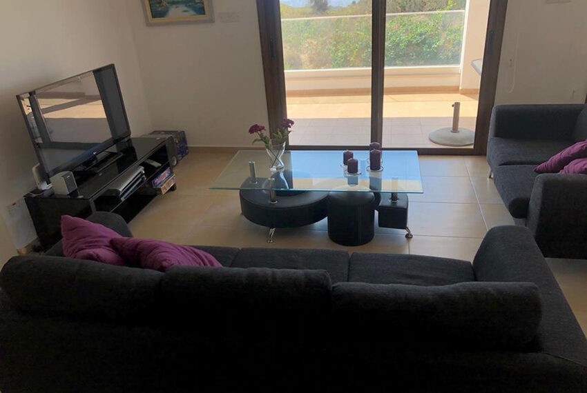 House for rent with central heating in Tsada village_4