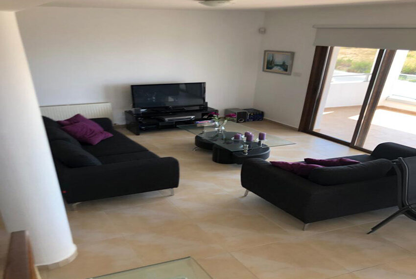 House for rent with central heating in Tsada village_9