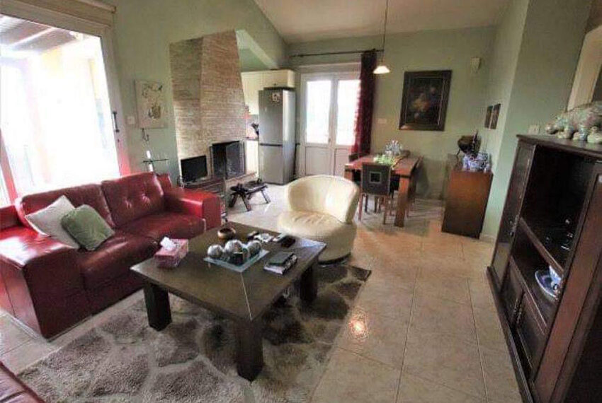 Bungalow for sale with private pool and sea views in Tala _1