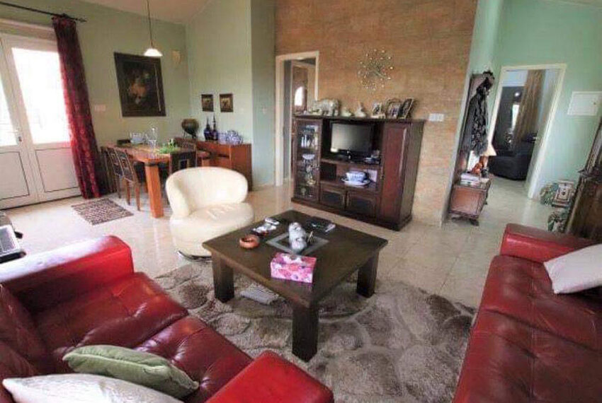 Bungalow for sale with private pool and sea views in Tala _9