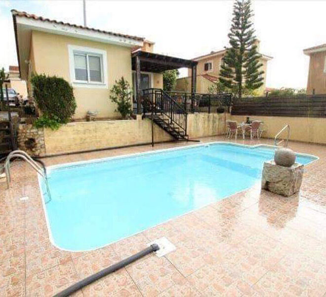 Bungalow for sale with private pool and sea views in Tala