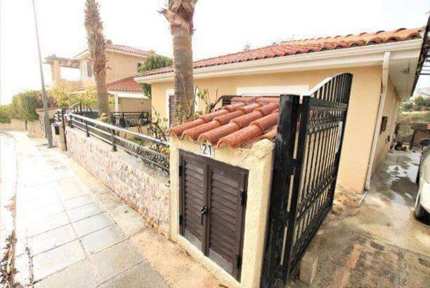 Bungalow for sale with private pool and sea views in Tala _21