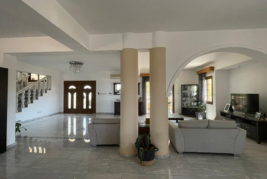 Luxury 6 bed house for rent with private pool & sea views Emba_9