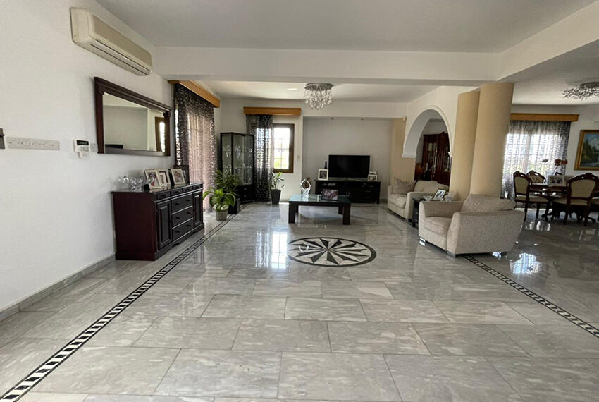Luxury 6 bed house for rent with private pool & sea views Emba_14