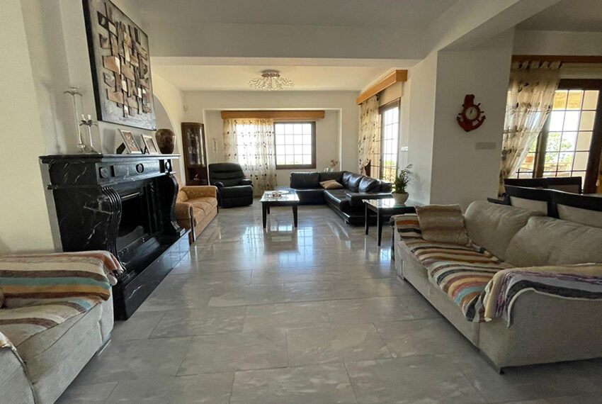 Luxury 6 bed house for rent with private pool & sea views Emba_17