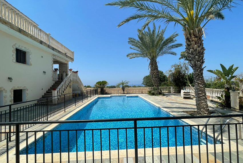 Luxury 6 bed house for rent with private pool & sea views Emba_21