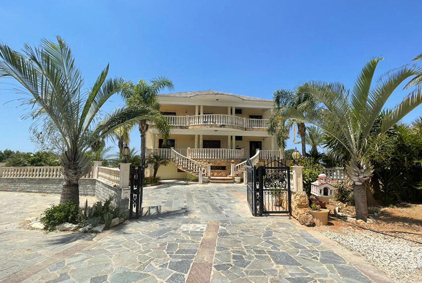 Luxury 6 bed house for rent with private pool & sea views Emba_24