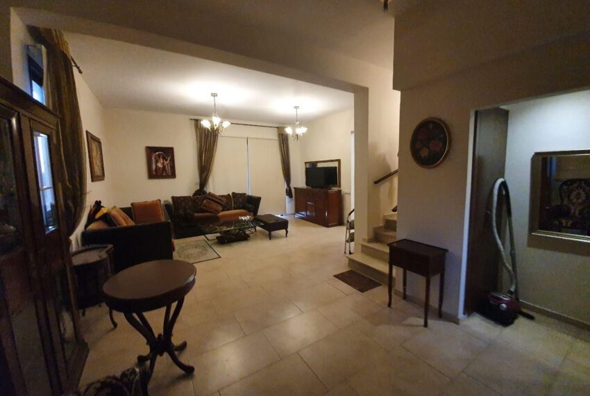 House for rent with private pool in Emba village_1