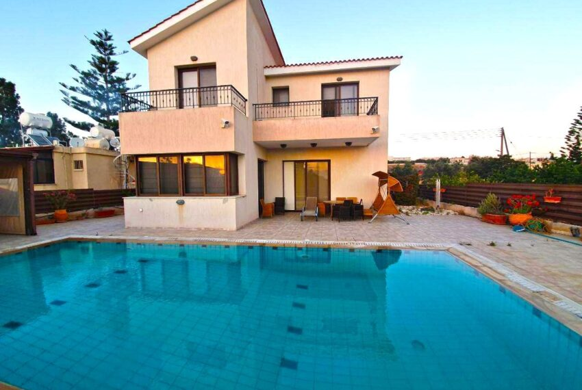 House for rent with private pool in Emba village_2